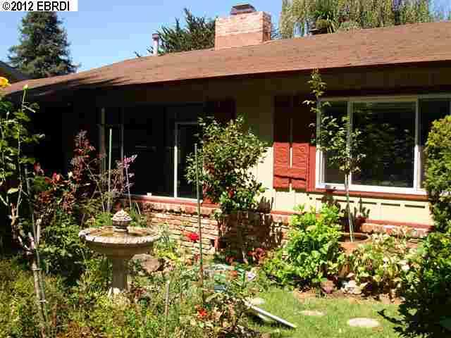 Maison unifamiliale pour l Vente à 196 Glenwood Glade Oakland, Californie 94611 États-Unis