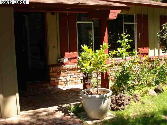 Additional photo for property listing at 196 Glenwood Glade  Oakland, Californie 94611 États-Unis