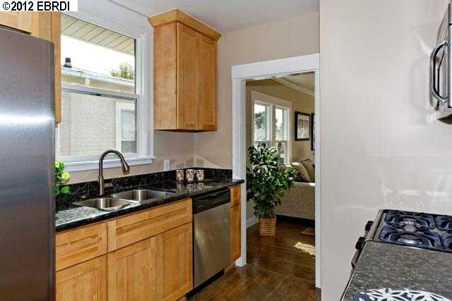 Additional photo for property listing at 3620 REDDING Street  Oakland, California 94619 United States