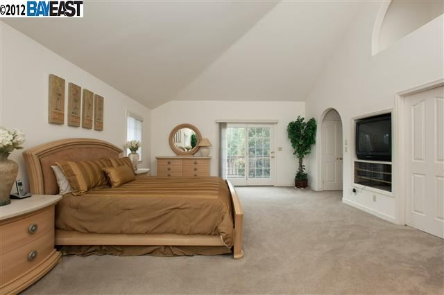 Additional photo for property listing at 4775 Commonwealth Drive  Oakland, California 94605 Estados Unidos