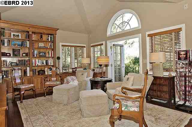 Additional photo for property listing at 2 PARK GATE  Berkeley, California 94708 United States