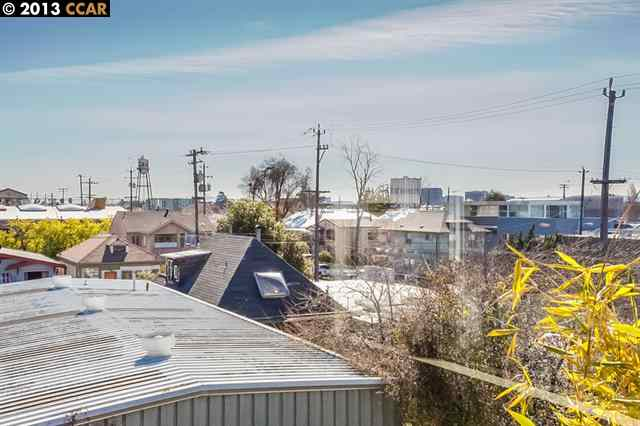 Additional photo for property listing at 2709 10th Street  Berkeley, California 94710 United States