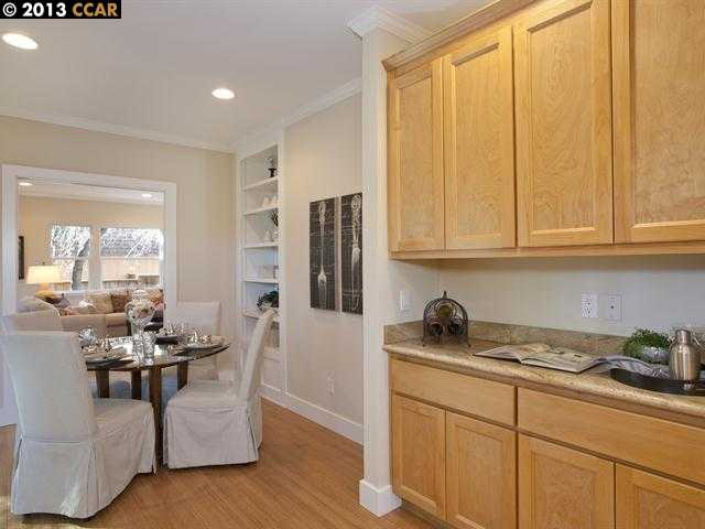 Additional photo for property listing at 101 ROSE Street  Walnut Creek, Калифорния 94595 Соединенные Штаты