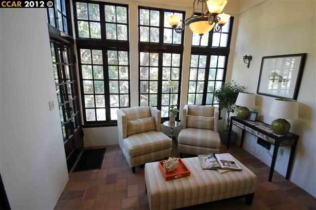 Additional photo for property listing at 999 SUNNYHILLS Road  Oakland, California 94610 United States
