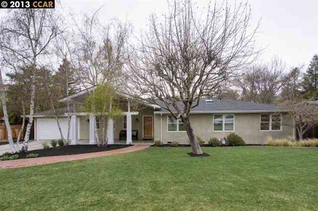 واحد منزل الأسرة للـ Sale في 3252 CAMINO COLORADOS Lafayette, California 94549 United States