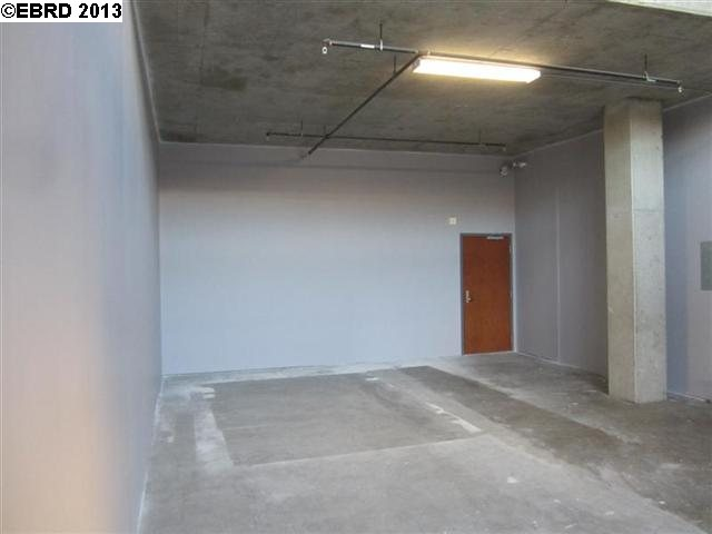 Additional photo for property listing at 869 CLAY Street  Oakland, Californie 94607 États-Unis