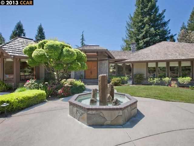 Maison unifamiliale pour l Vente à 2210 Canyon Oak Lane Danville, Californie 94506 États-Unis