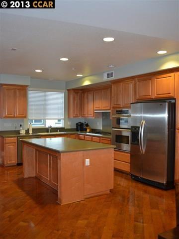 Additional photo for property listing at 6166 YARDLEY Lane  San Ramon, California 94582 United States
