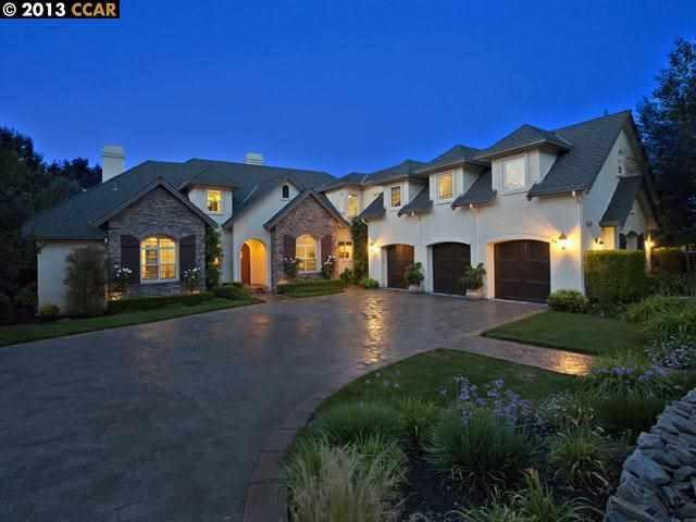 Частный односемейный дом для того Продажа на 106 MUIR Lane Alamo, Калифорния 94507 Соединенные Штаты