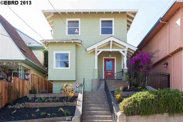 Частный односемейный дом для того Продажа на 1815 10TH Avenue Oakland, Калифорния 94606 Соединенные Штаты