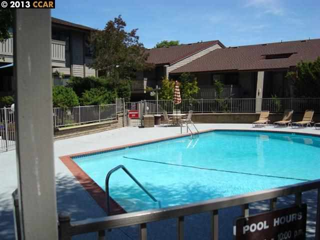 Additional photo for property listing at 100 KINROSS Drive  Walnut Creek, 加利福尼亞州 94598 美國