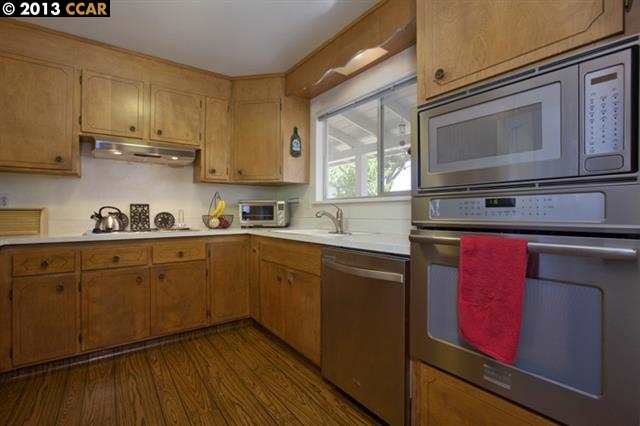 Additional photo for property listing at 1721 FAIRWOOD Drive  Concord, California 94521 Estados Unidos