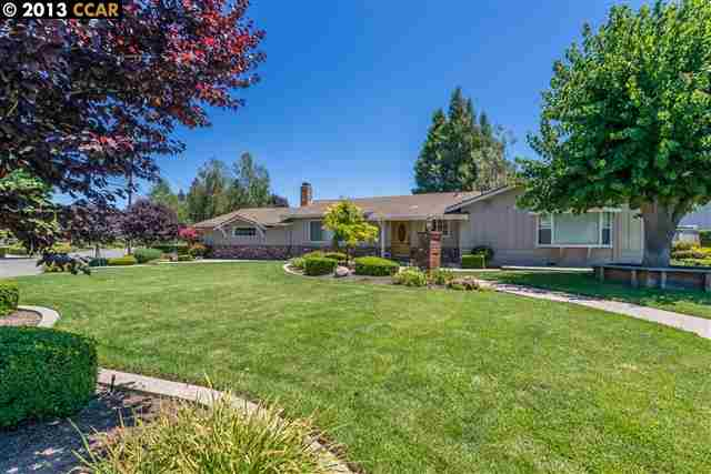 واحد منزل الأسرة للـ Sale في 3105 PERRA WAY Walnut Creek, California 94598 United States