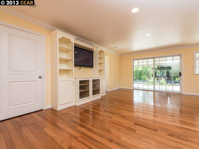 Additional photo for property listing at 3105 PERRA WAY  Walnut Creek, California 94598 United States