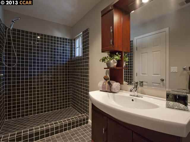 Additional photo for property listing at 1054 READY Court  Walnut Creek, California 94598 United States