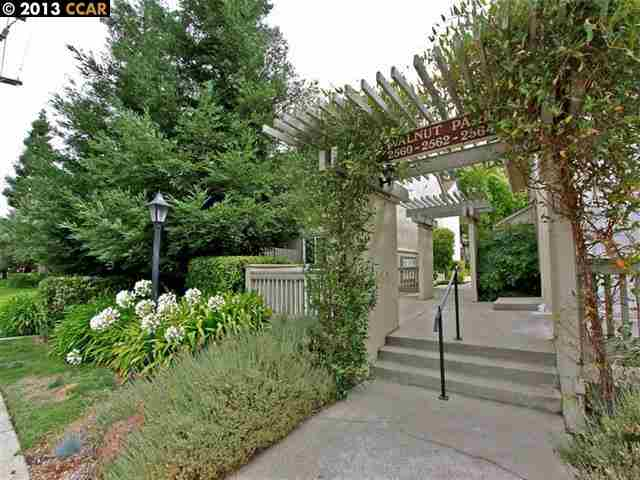 Single Family Home for Sale at 2560 WALNUT BLVD Walnut Creek, California 94596 United States