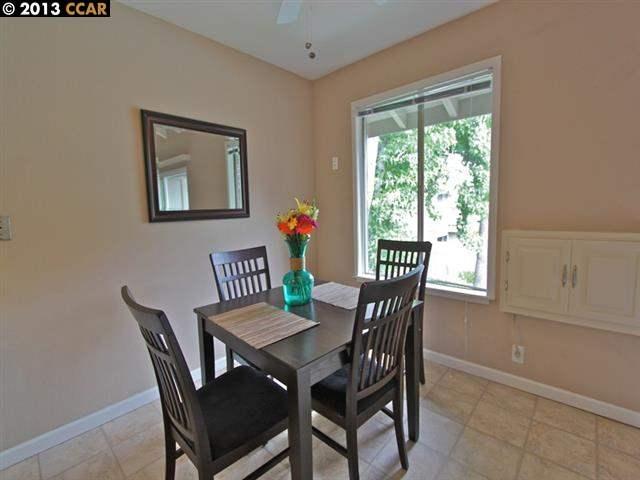 Additional photo for property listing at 2560 WALNUT BLVD  Walnut Creek, California 94596 United States