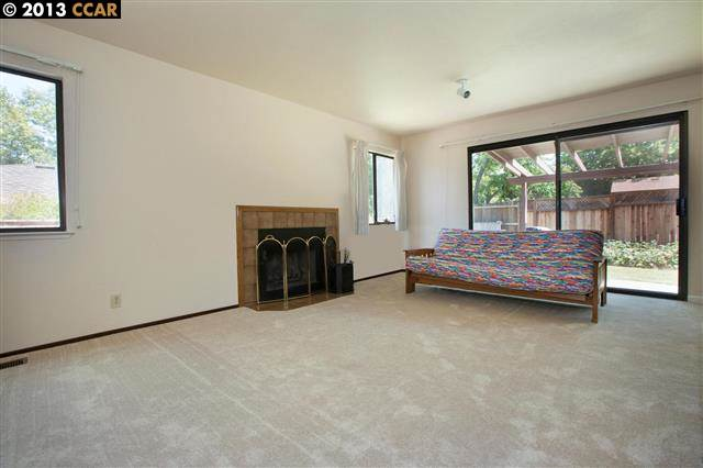 Additional photo for property listing at 15 SWAN Court  Walnut Creek, California 94597 United States