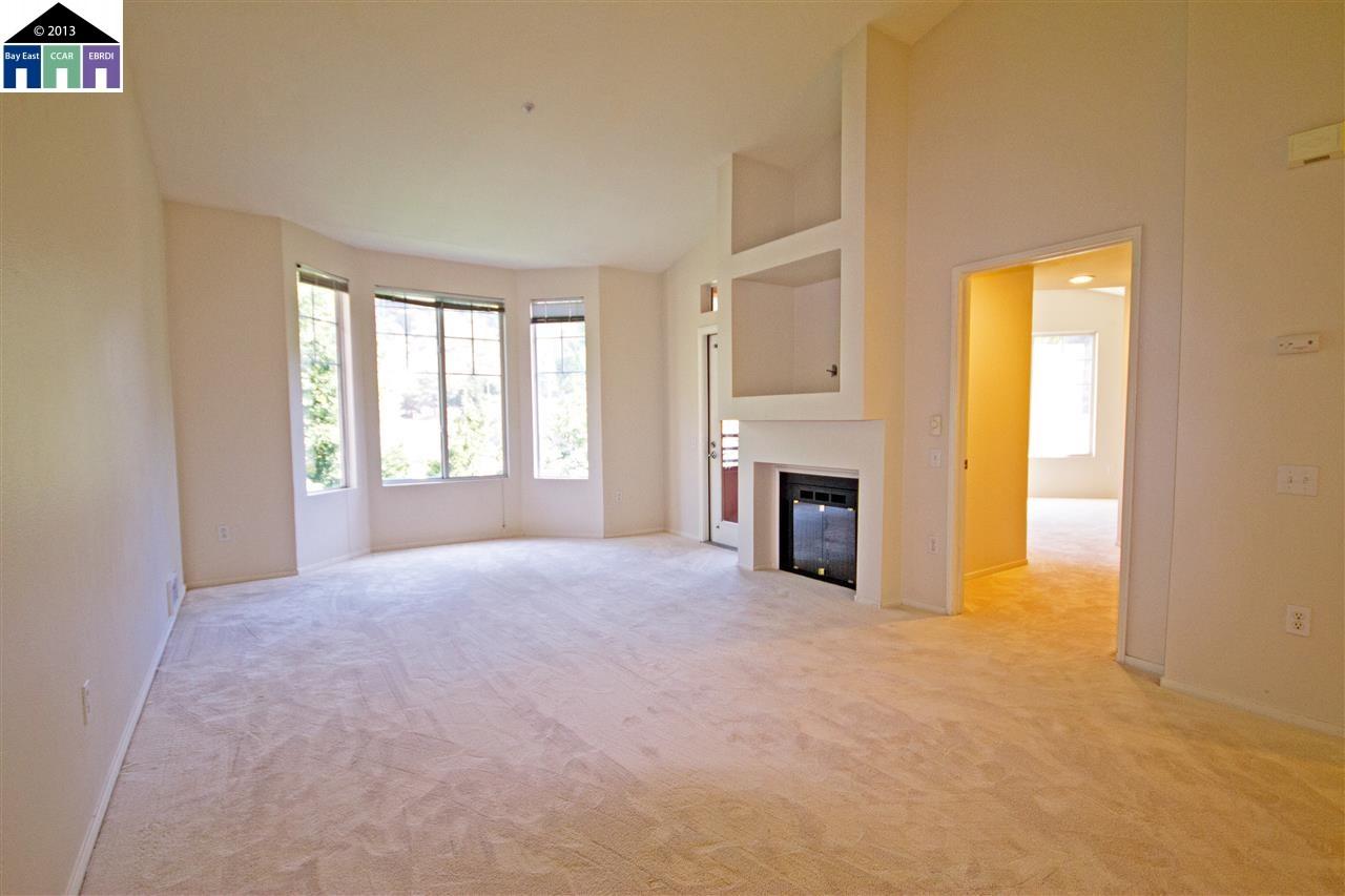Additional photo for property listing at 320 CALDECOTT Lane  Oakland, Californie 94618 États-Unis