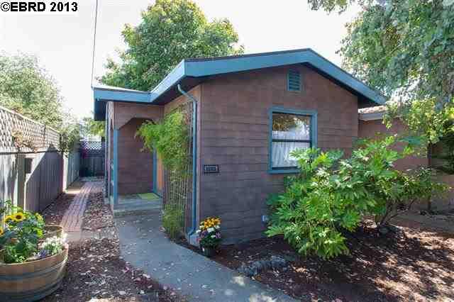 واحد منزل الأسرة للـ Sale في 1132 Derby Street Berkeley, California 94702 United States