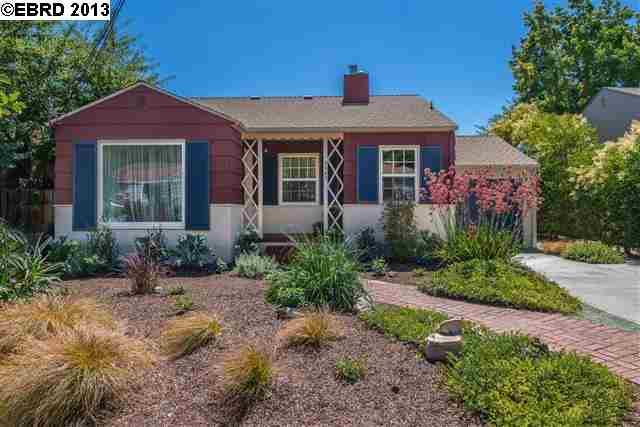Maison unifamiliale pour l Vente à 7963 Sanford Street Oakland, Californie 94605 États-Unis