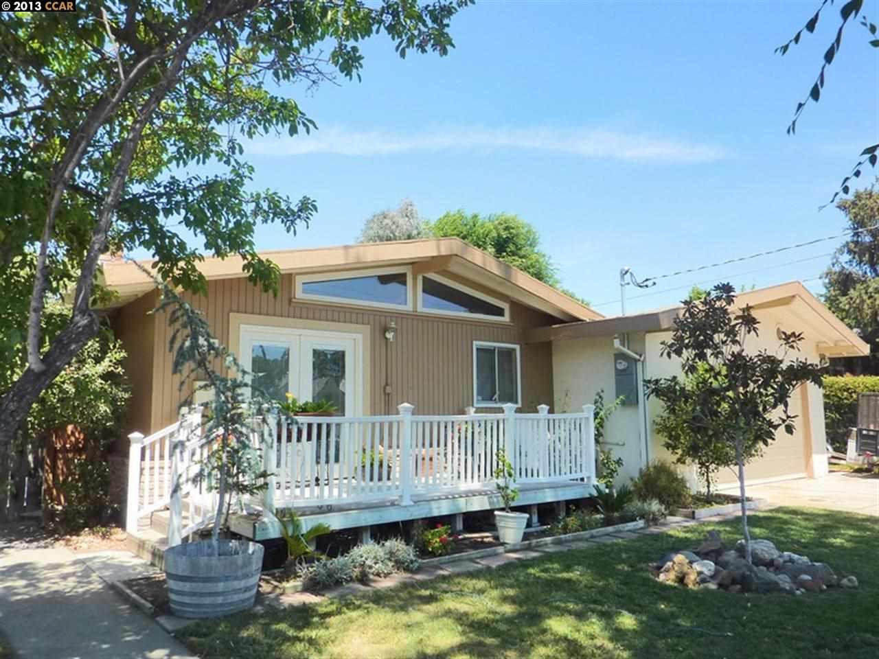 Casa Unifamiliar por un Venta en 1722 PINE Street Livermore, California 94551 Estados Unidos