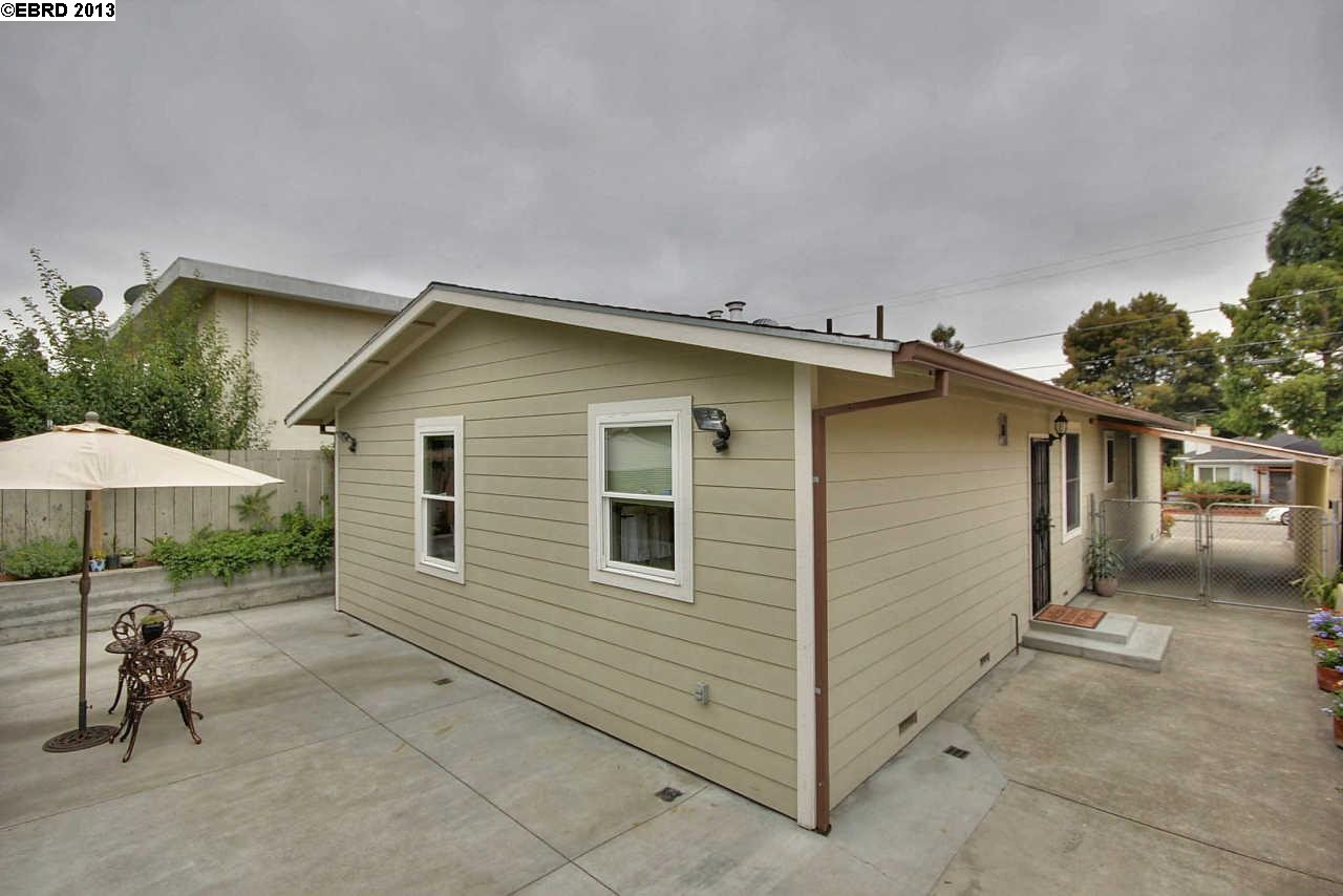 Additional photo for property listing at 3220 GEORGIA Street  Oakland, California 94602 United States