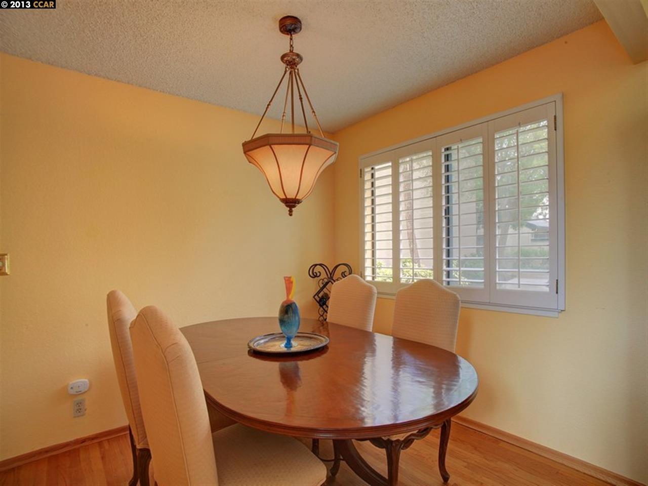 Additional photo for property listing at 510 LAGUNARIA Lane  Alameda, California 94502 United States