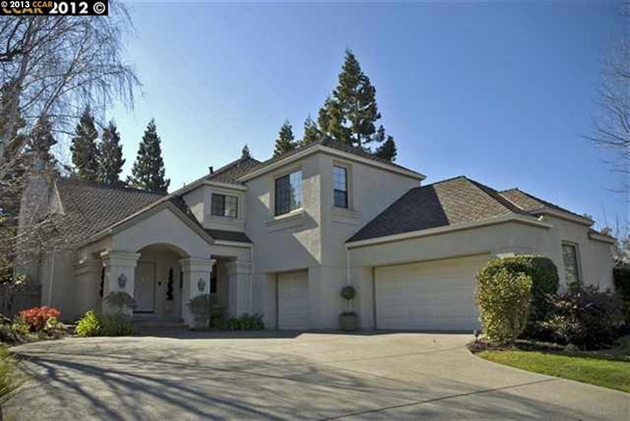 Maison unifamiliale pour l Vente à 509 KINGSWOOD Place Danville, Californie 94506 États-Unis
