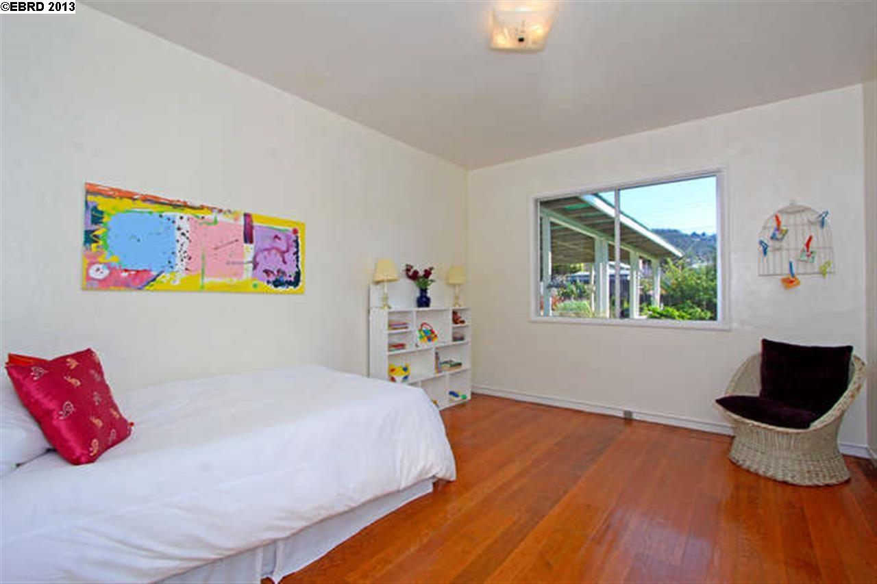 Additional photo for property listing at 1014 LIBERTY Street  El Cerrito, 加利福尼亞州 94530 美國