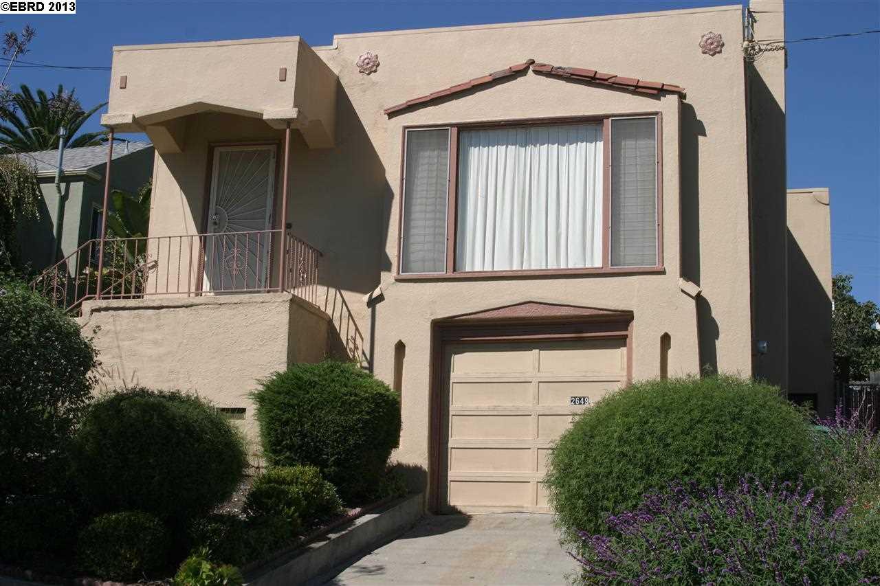 واحد منزل الأسرة للـ Sale في 2649 COLE Street Oakland, California 94601 United States