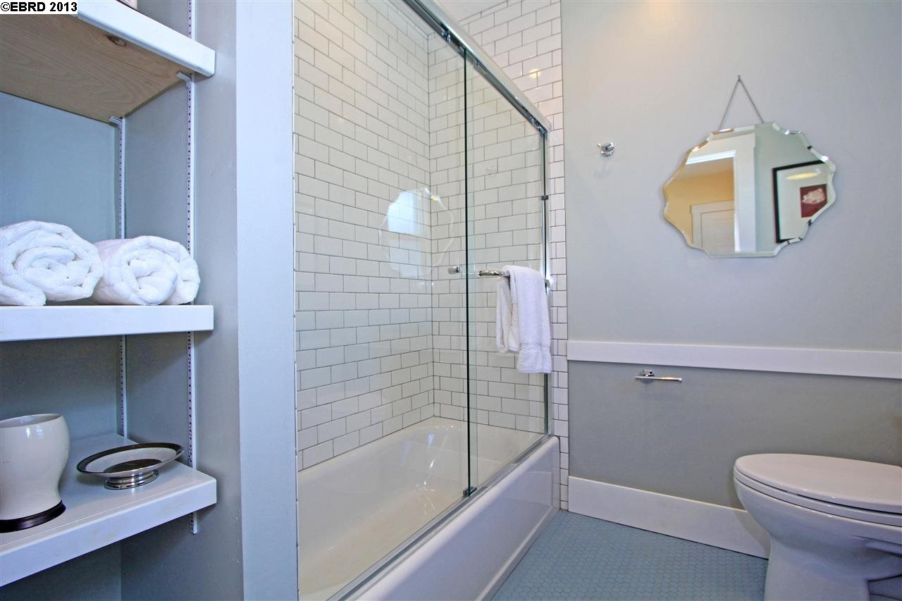 Additional photo for property listing at 2907 MINNA Avenue  Oakland, California 94619 United States