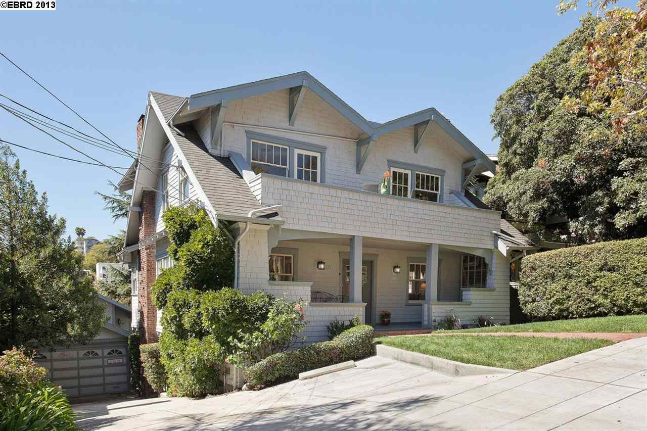 Maison avec plusieurs logements pour l Vente à 1025 WALKER AVENUE Oakland, Californie 94610 États-Unis