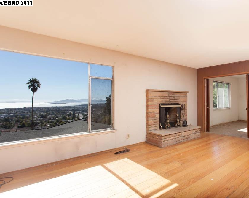 Additional photo for property listing at 7435 POTRERO Avenue  El Cerrito, California 94530 Estados Unidos