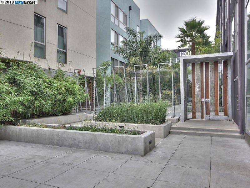 獨棟家庭住宅 為 出售 在 1201 PINE Street Oakland, 加利福尼亞州 94607 美國