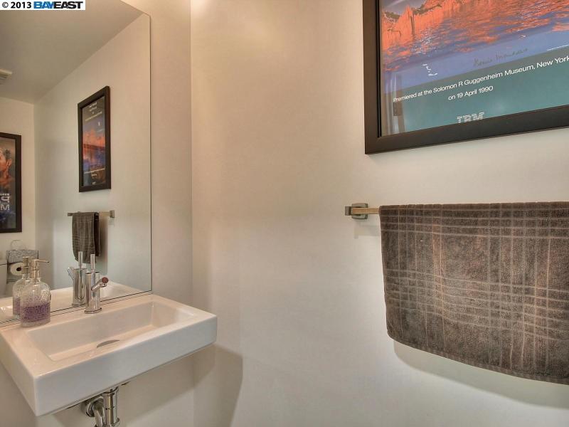Additional photo for property listing at 1201 PINE Street  Oakland, 加利福尼亞州 94607 美國