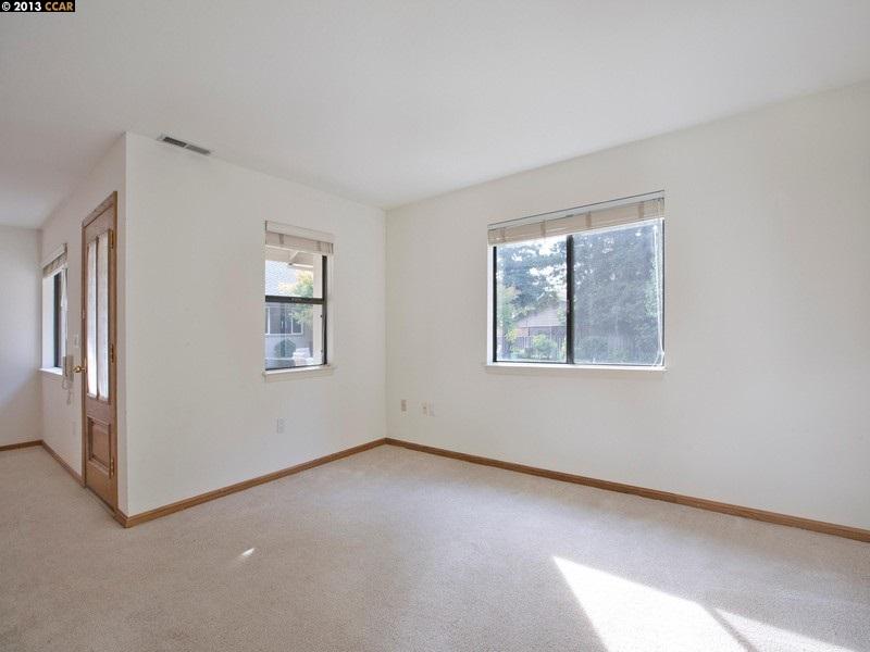 Additional photo for property listing at 196 BOLLA Avenue  Alamo, California 94507 United States