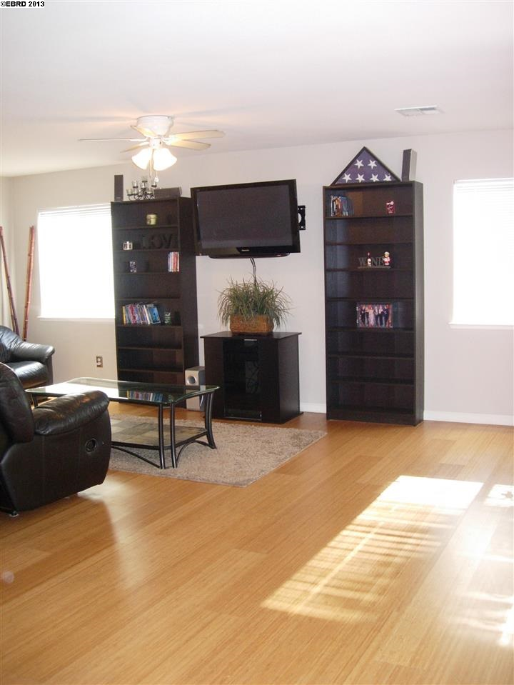 Additional photo for property listing at 20812 GROVE PARK Place  Hayward, Californie 94541 États-Unis