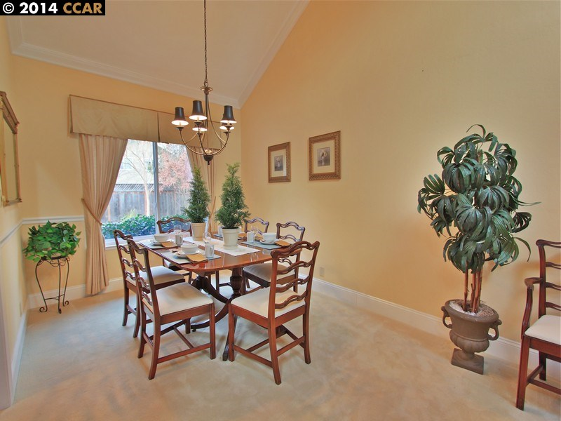 Additional photo for property listing at 576 ZEPHYR Circle  Danville, カリフォルニア 94526 アメリカ合衆国