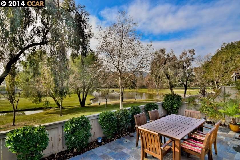 Частный односемейный дом для того Продажа на 507 SILVER LAKE Drive Danville, Калифорния 94526 Соединенные Штаты