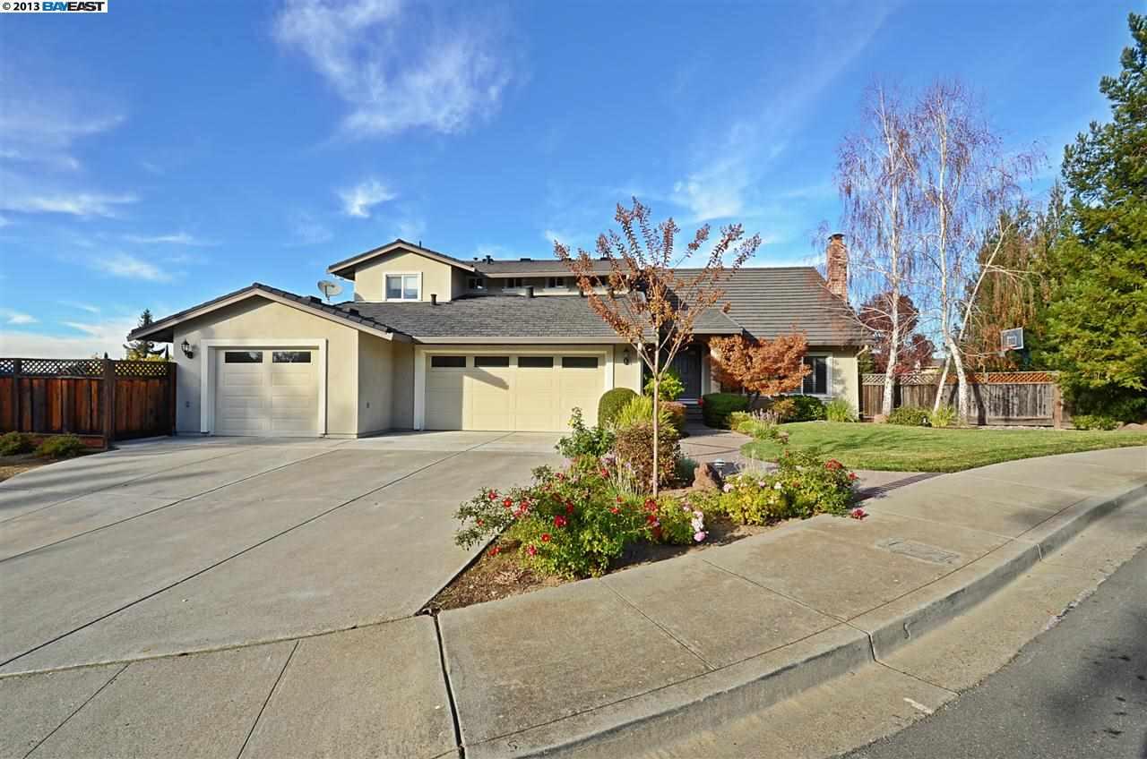 واحد منزل الأسرة للـ Sale في 3475 Brandy Court Pleasanton, California 94566 United States