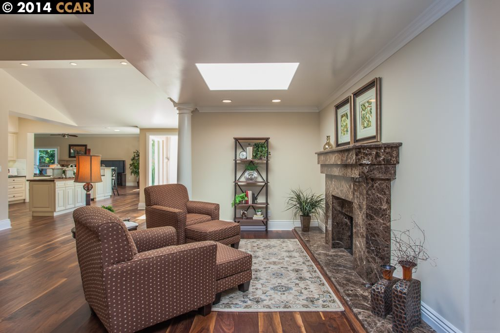 Additional photo for property listing at 2460 HOLLY OAK Drive  Danville, California 94506 United States