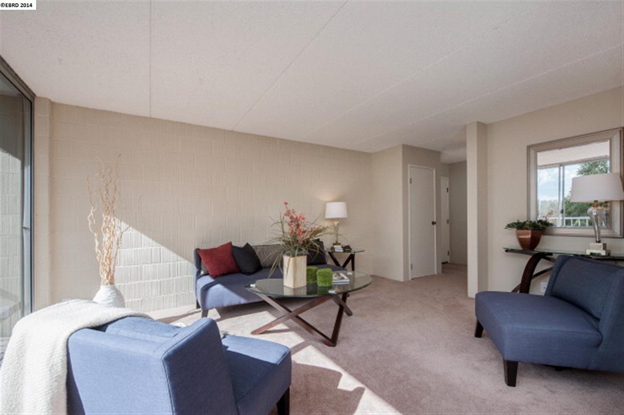 Additional photo for property listing at 1 KELTON Court  Oakland, 加利福尼亞州 94611 美國
