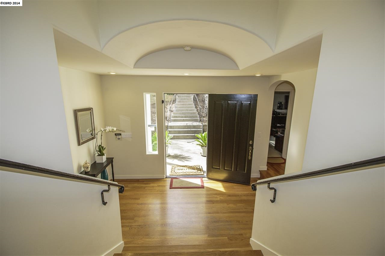 Additional photo for property listing at 6826 SHERWICK Drive  Berkeley, カリフォルニア 94705 アメリカ合衆国
