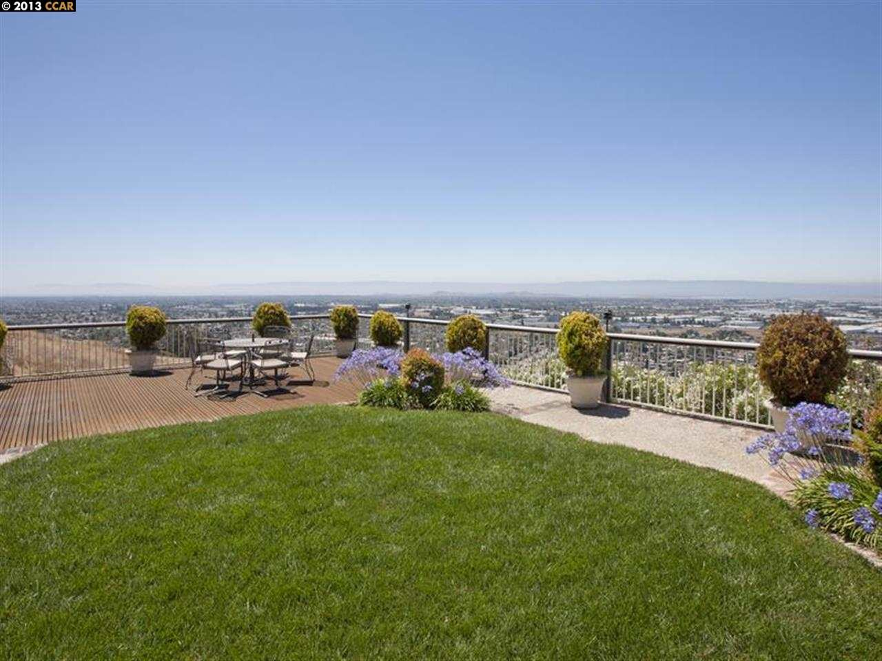 Additional photo for property listing at 1105 Garin  Hayward, California 94544 United States