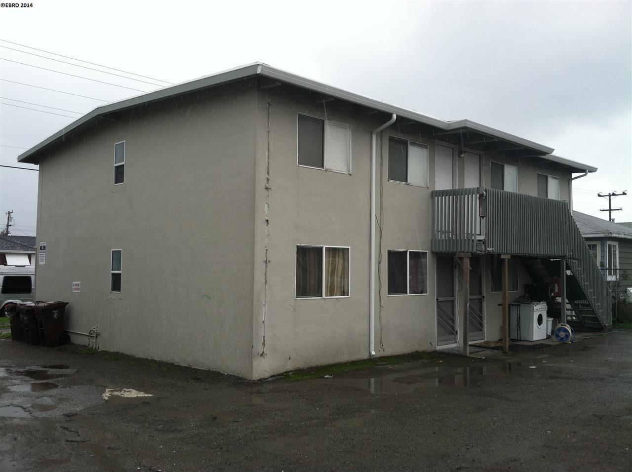 Многосемейный дом для того Продажа на 3939 Ohio Avenue Richmond, Калифорния 94804 Соединенные Штаты