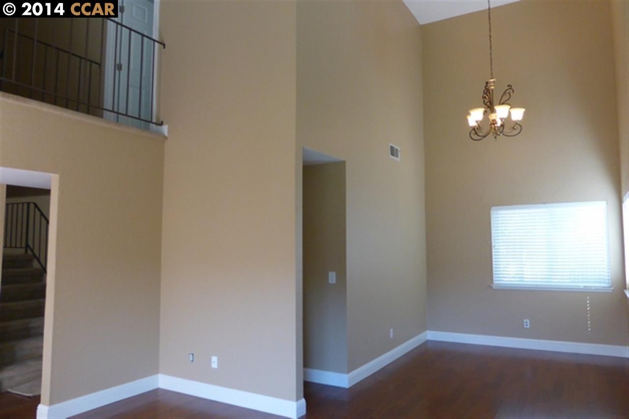 獨棟家庭住宅 為 出售 在 2163 ALEXANDER WAY Pleasanton, 加利福尼亞州 94588 美國