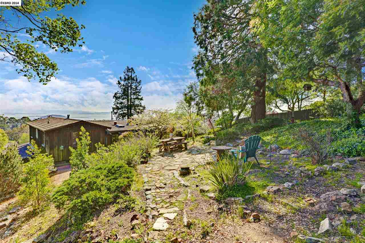Additional photo for property listing at 1104 KING Drive  El Cerrito, カリフォルニア 94530 アメリカ合衆国