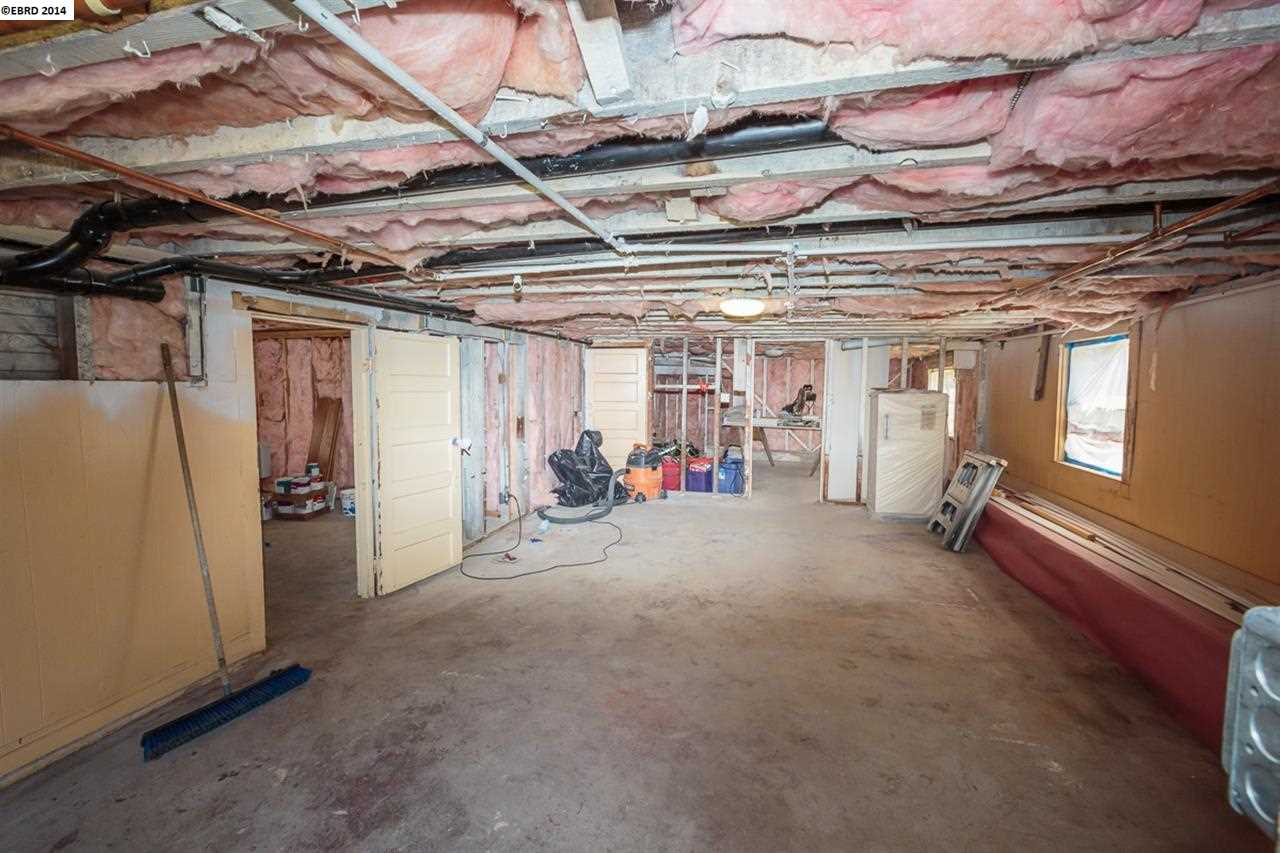 Additional photo for property listing at 1409 Harmon Street  Berkeley, California 94702 United States