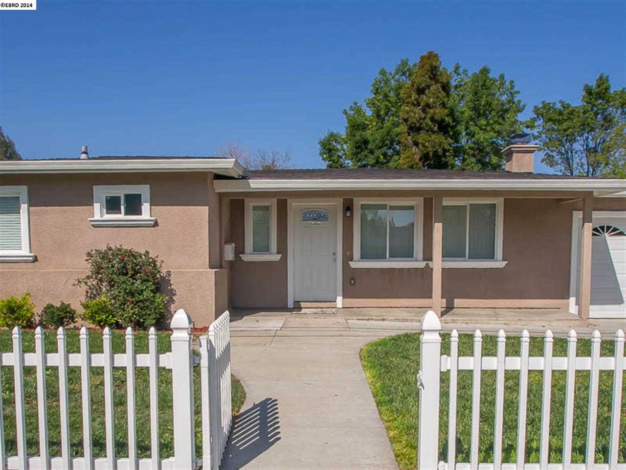 Additional photo for property listing at 3285 Meadowbrook Drive  Concord, カリフォルニア 94519 アメリカ合衆国